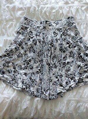 new look girls skirt age 12/13 hardly worn