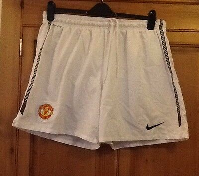 Manchester Uniied White Nike Football Shorts. Xl. Excellent Condition