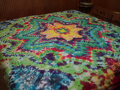 Hand-dyed Tie Dye Wallhang Tapestry - Altered Eight Point Sunburst Mandala