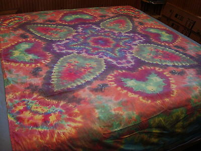 Hand-dyed Tie Dye Wallhang Tapestry - Light Subdued Eight Point Blossom Mandala