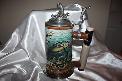 DANBURY MINT LARGEMOUTH BASS COLLECTORS STEIN  Fishing, Lodge, Cabin Decor