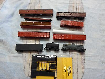 HO Victorian & NSWGR Carriages & Brake Vans & An MLV Kit by Bergs