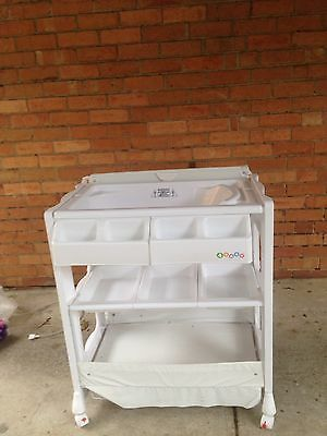 White Baby Change Table With Bath