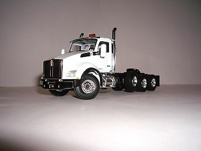 First Gear 1/50 White Kenworth T880 4 Axle Day Cab