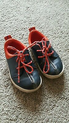 Clarks boys leather shoes blue size 6.5f childrens