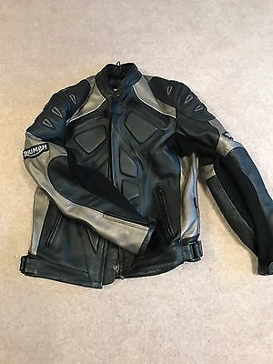 """Genuine Triumph Mens Leather Motorcycle Jacket Size Large 40"""""""