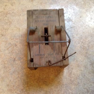 Newhouse  California Gopher  Trap  traps