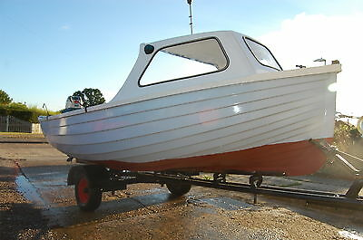 16ft fibreglass  fishing boat  and trailer