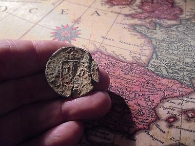 Superb spanish coin , pirate time , uncleaned  conservation ,,,,