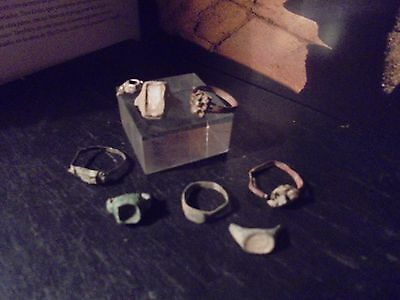 Superb lot of romans rings in bronze and silver,