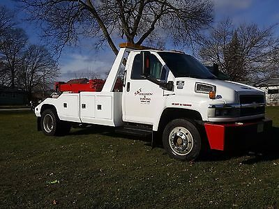 2005 Chevy C5500 Wrecker with Twin Line Winches