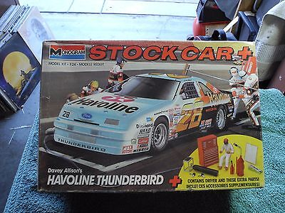 Davey Allison's Havoline 1/24 Scale Thunderbird With Driver And Pit Equipment