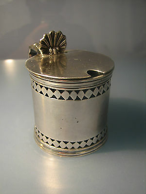 R Victorian 1893 lovely silver mustard pot with blue liner & shell thumbpiece