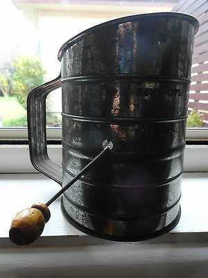 RETRO VINTAGE SIFTER FLOUR SIFTER 3 CUPS METAL KITCHENALIA UTENSIL 1940s