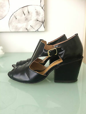 ZOMP brand black block heel sandals great condition size 7.5