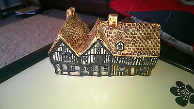 Tey Pottery SIEGE HOUSE COLCHESTER  BRITAIN IN MINIATURE