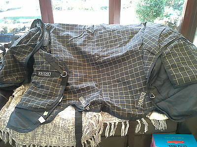 rhino horseware lreland turnout rug with removable hood 200g filling turnout rug