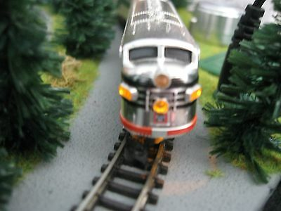 "Z - Marklin 8189 DCC/Analog Train Set with F7 Diesel Loco & LED""Watch the Video"""