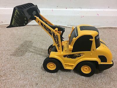 Radio Controlled Construction Vehicle Digger Full Function 1:20 size RRP £34.99
