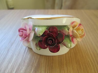 Royal Albert Old Country Roses 1962 Flowers in a Trinket Box