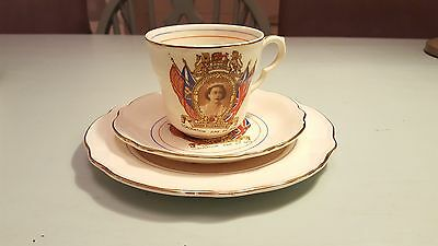 Coronation 1953 Tea cup, saucer and plate. Commemorative trio Washington pottery