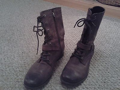 Clarks ladies brown lace up boots size 7