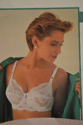 "Wonderbra Bra ""Vintage"" 90s BNWT Full Support  7422, B-34-36, C-34. Light Beige"