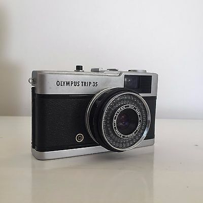 Vintage 1970s OLYMPUS TRIP 35 Film Camera - Working