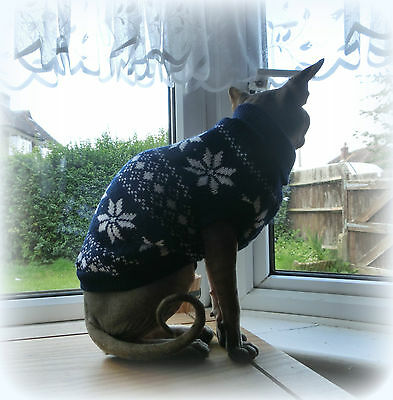 larger adult SNOWFLAKE winter Sphynx cat clothes sweater, jumper Nacktkatze