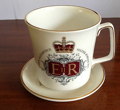 Queen Elizabeth II Cup and Saucer Set, Silver Jubilee 1977, Made in England