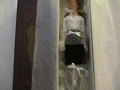 Tonner Tyler Signature Style Redhead #99801 New In Her Box