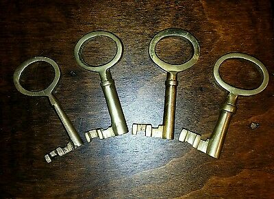Vintage Antique Brass Skeleton Keys - Single Barrel - Lot Of 4
