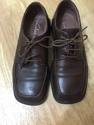 Mens Clarks Leather brown shoes - Size 7.5