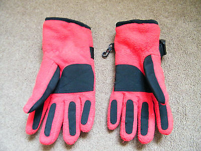 trespass red childrens gloves age 5-7 years