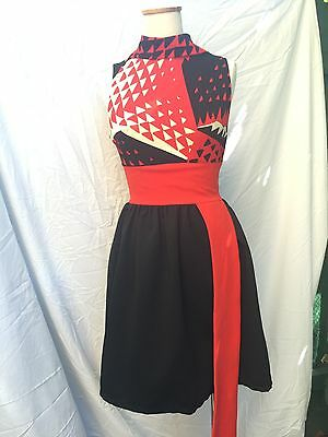Vintage retro original 60s/70s mini dress with sash/belt - Size 6-8