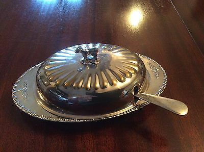 Silver plated butter/jam dish. With spoon.