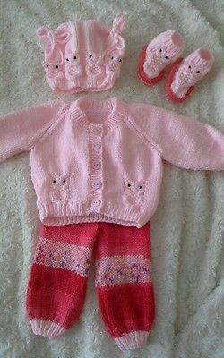 Hand knitted outfit to fit  20 - 22' reborn doll or o - 3 month old baby knitted