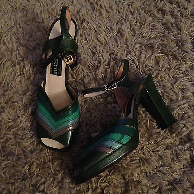 Amazing Vintage 70s Peep toe Platforms Green 4.5 Shoes Christmas Party Heels
