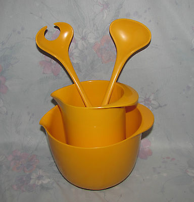 Rosti Denmark Yellow 1 Litre Pitcher, Spouted Mixing Bowl, Salad Servers/Utensil