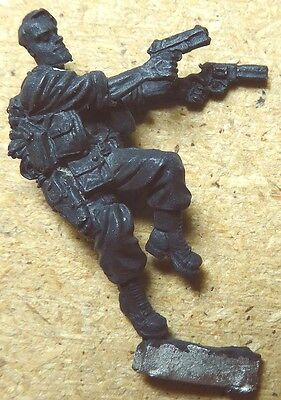 Special Agent ! ~ Heavily Equipped ~ Metal 28mm ~ Sci Fi / Combat Games