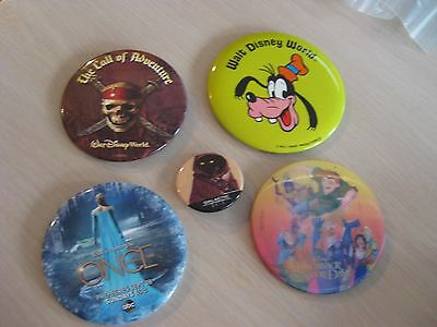 Disney 5 Piece Button Lot WDW Goofy Pirates Hunchback Elsa Star Wars Jawa