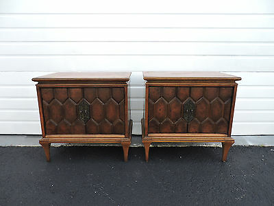 Pair of Mid-Century Modern Nightstands / End Tables by Unagusta 6931