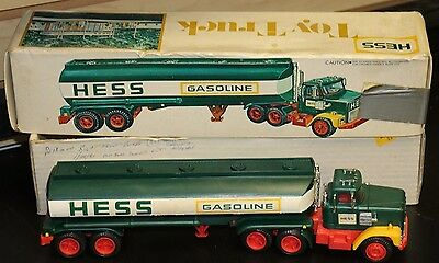 HESS 1977 FUEL OIL TANKER TRUCK  Original box Nice Condition! FREE SHIPPING! #3