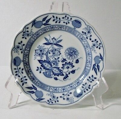 "6 Hutschenreuther BLUE ONION 6-1/4"" Bread & Butter Plates EXCELLENT"