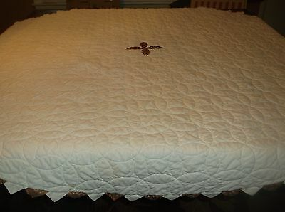 vtg round hand made quilt, hand quilted