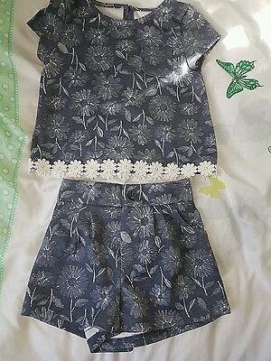Navy flowery top and shorts oufit girls aged 1-1.5 years