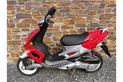 Peugeot streetfight 2 scooter