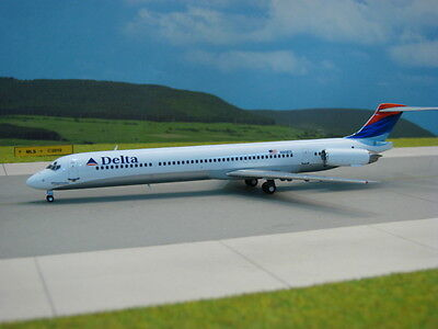 "1:200 Gemini DELTA AIRLINES McDonnell Douglas MD-80 ""Colors in Motion"" RARE!"