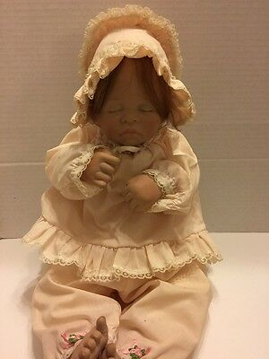 Collectible 1983 Lee Middleton First Moments Sleeping Baby Doll Signed 020783-V