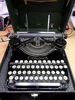 Corona manual portable  Typewriter with case key & extras Vintage